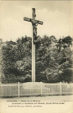 La Croix en noir et blanc